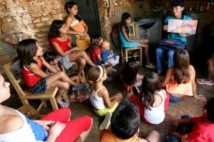 Curso online grátis de Extensão para Assistentes Sociais
