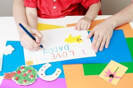 Curso online grátis de Cuidador Infantil
